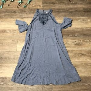 4/$20 Knox rose embroidered dress